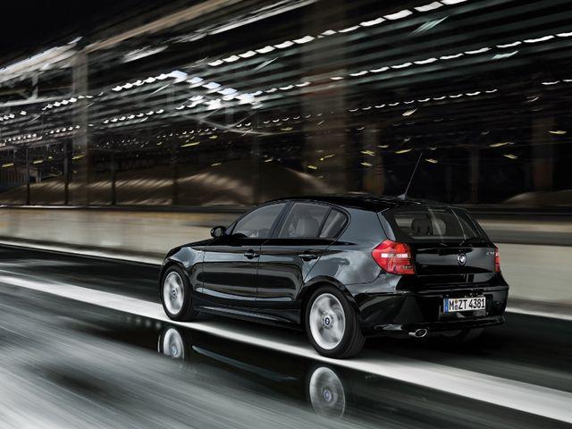 ▲電気自動車のi3を除けば「BMW一家の末弟」というサイズ感の初代1シリーズだが、その小気味良い走りは間違いなくBMWそのもの。コンディションの良い中古車であれば、その魅力を存分に堪能できるはず