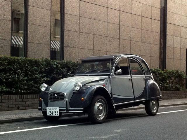 ▲写真の場所は東京・銀座のリクルート本社ビル(当時)裏手。この車だと都内の筆者自宅から銀座に行くだけでちょっとした遠征気分だったが、それもまた楽しい貴重な経験だった