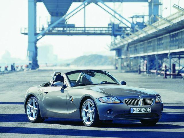 ▲ちょっと前までは「中心は140万円ぐらいで、一部に100万円以下の物件もある」みたいな状況だった旧型BMW Z4だが、気がついてみれば「むしろ100万円以下がメイン」という相場に変わっている