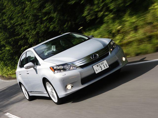 ▲日本で販売されるレクサス車としては初のFFレイアウトの4ドアセダンとなったHS