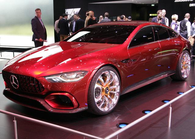 ▲メルセデス・ベンツの高性能車ブランド、メルセデスAMGのフラッグシップモデル、AMG GTをストレッチして4ドアクーペに仕立てたコンセプトが、AMG GTコンセプトだ。写真ではスマートに見えるかもしれないが、実物は結構グラマラス。市販化も視野に入れたコンセプト