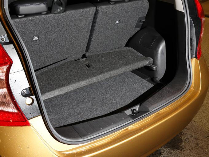 ▲広い室内空間を確保しているにも関わらず、ラゲージも大容量。330L(VDA)あり、シートを倒して使うことももちろん可能です