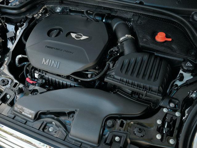 ▲この直3は、ガソリンとディーゼルの両方が存在し、いまやFR方式のBMW 3シリーズにも使われている。ボア、ストロークは2L直4ユニットと同じで、事実上シリンダーをひとつ取り払った構造と言えそうだ
