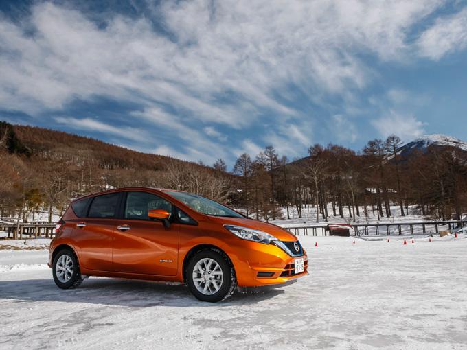 ▲写真は、日産氷上試乗会。e-POWERの操作性は、雪道走行など、頻繁に微妙な加減速が必要なシーンでも頼もしい
