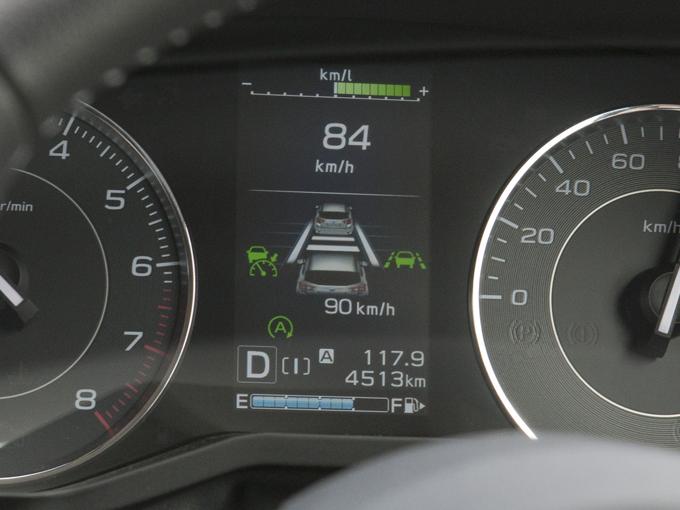 ▲全車速追従機能付きクルーズコントロールは、先行車との車間維持のみならず車線中央維持機能もある