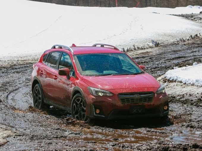 ▲前日に降った雪の影響で、X-MODEを体感するには最高のコンディションとなっていた。モードをOFFとONの両方を体感。OFFのときにはタイヤが空転して前に進まないような場合でも、驚くほどスムーズに走破することができた