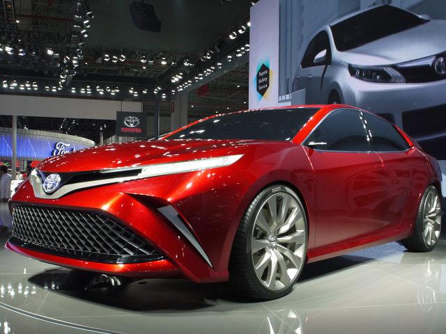 ▲ショー会場でのプレスカンファレンスを行わなかったトヨタ。このフェンチャオFUNコンセプトは、2017年1月にデトロイトでデビューした、新型カムリの中国仕様を示唆するもののようだ。市販版の公開は2018年春の北京モーターショーか