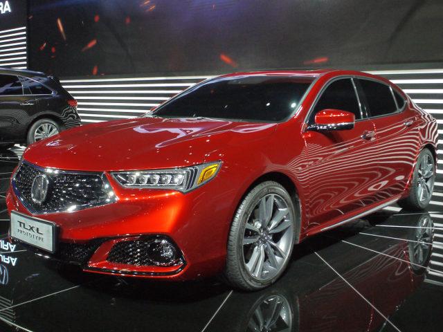 ▲2017年4月にニューヨークモーターショーで発表された、アキュラTLXのフェイスリフトが上海にも登場したのかと思いきや、車名の最後には「L」の文字が。彼の地で、大人気のロングホイールベースモデルだったのだ。中国市場への本気度が伺えた