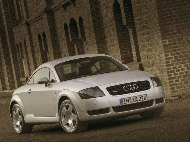 ▲自動車デザインの世界に衝撃を与えた初代アウディ TT。新車販売期間は99年10月から06年9月で、ここ最近の中古車相場はおおむね40万~120万円といったところ