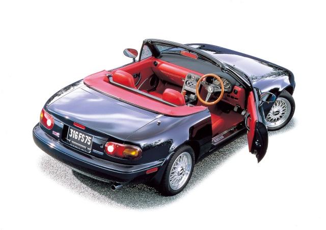 ▲多くの特別仕様車が用意されたのもロードスターの特徴のひとつ