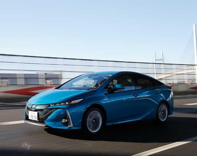 ▲プリウスPHVの公道での実力を確認! 電気自動車としてもガソリン車としてもすこぶる優秀であった