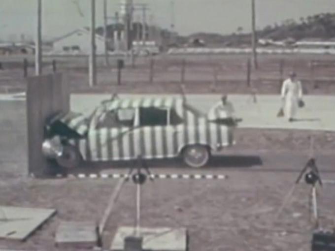 ▲約50年前から衝突試験を実施しているスバル。これは記録動画の一部だが、そもそも動画が現存していることもちょっと驚きだ