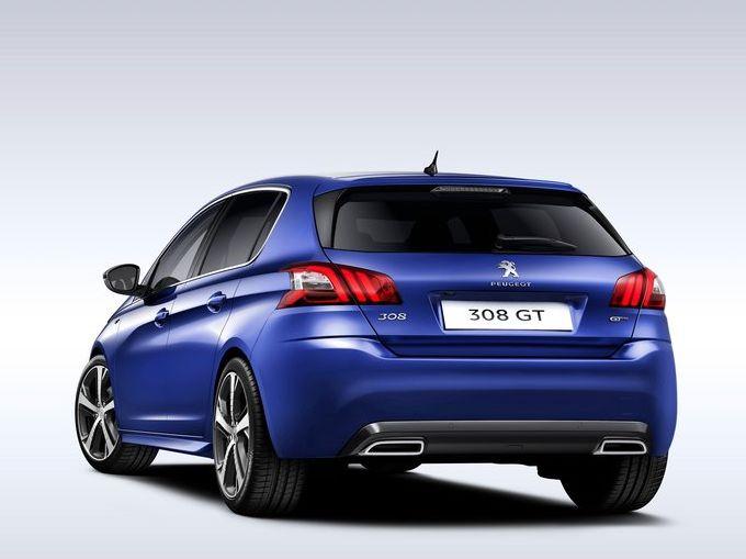 ▲グレードは2Lディーゼルターボを搭載する「308 GT BlueHDi」と1.6Lディーゼルターボの「308 アリュールBlueHDi」。どちらも、センターコンソール上の「スポーツボタン」を押すとアクセルの応答性などがより敏感な方向へ変化すると同時に、なんと「V8サウンド」が車内に響き渡ります