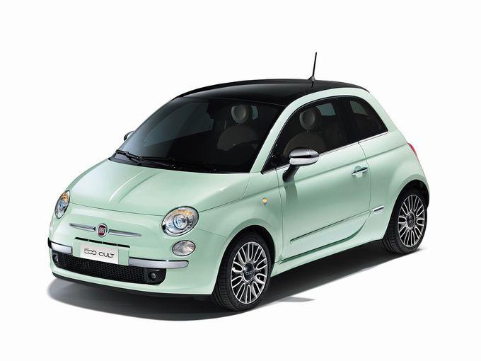▲こちらがフィアット 500。08年に登場したイタリアのコンパクトカーで、「ルパン三世」が劇中で乗っている往年の小型車のリバイバル版です