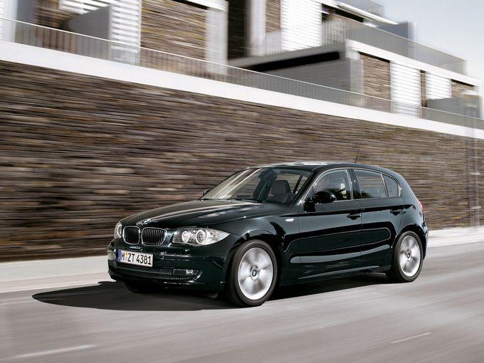▲旧型BMW 1シリーズは04年10月に登場したいわゆるCセグメント(フォルクスワーゲン ゴルフぐらいのクラス)に属するプレミアムコンパクト。同セグメントでは唯一となるFRレイアウト採用モデルだ