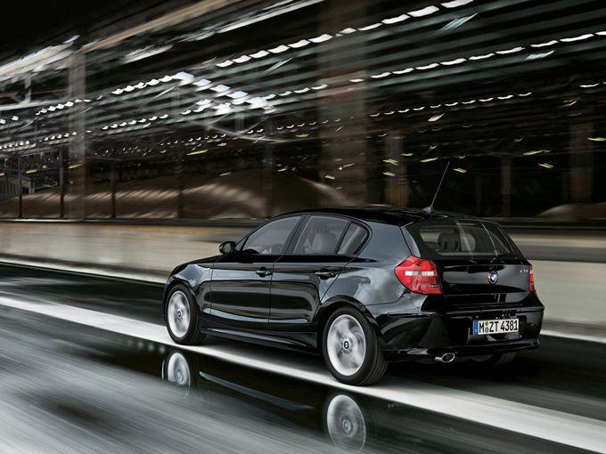 ▲写真は116iではなく08年以降の120iだが、1.6L自然吸気の116iは決して「速い!」という類の車ではない