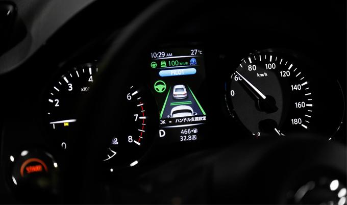 ▲プロパイロットの操作はカンタン。高速道路で積極的に利用すれば長距離移動もグンとラクになる