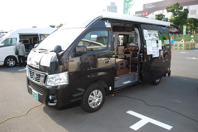 ▲トヨタ ハイエースなどの1BOXを架装したバンコン。乗用車感覚で移動できるキャンピングカーです