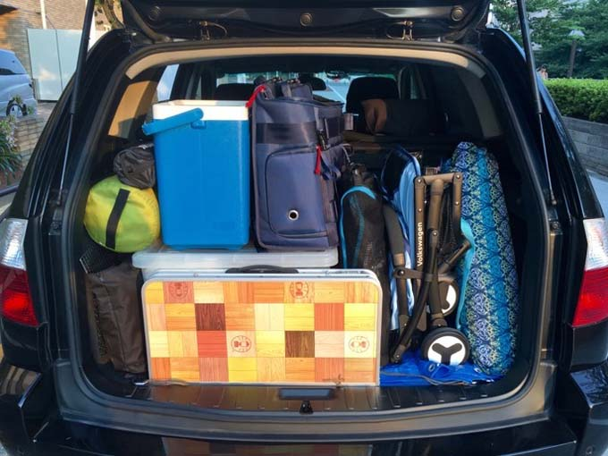 ▲こちらは普通のキャンプのときの荷室。テントや寝袋、テーブル&チェアなどでパンパンです!