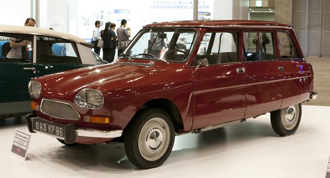 ▲こちらは70年式シトロエン アミ8ブレーク。車両価格215万円と比較的お手頃だが、その存在感というか絵になる感じは、下手な1000万円超級の車以上かも?