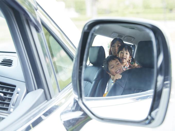 ▲大きなミラーに映り込む、家族の笑顔を見るのが大好きだという辻さん