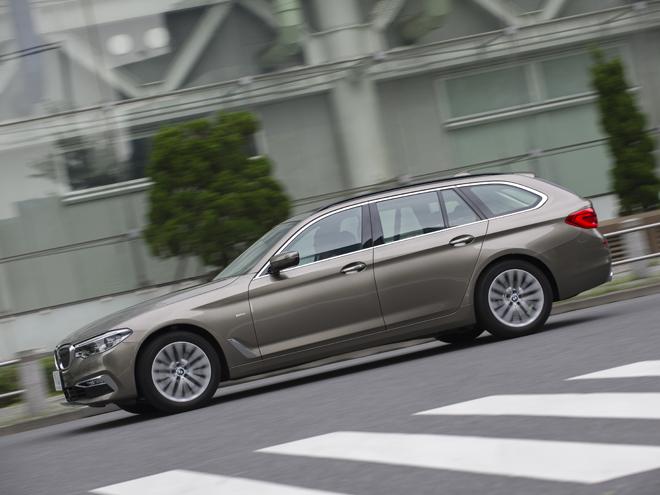 ▲セダンに続きステーションワゴンのツーリングもフルモデルチェンジ。部分自動運転を可能とした先進の運転支援システム「ドライビング・アシスト・プラス」が備わった。4WDモデルのxDrive、装備充実のラグジュアリーとスポーティなMスポーツなどもラインナップする。ラゲージ容量も先代より30L広い570Lとされ、利便性も向上している