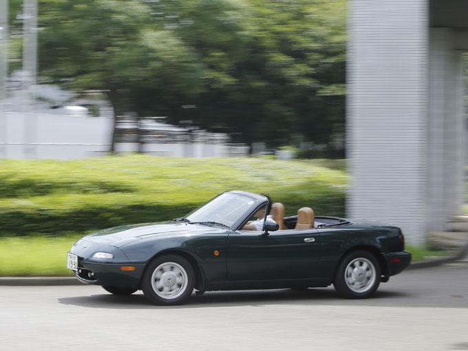 ▲風を感じながらドライブできるのがオープンカーの魅力。ライトウェイトスポーツカーの醍醐味を余すことなく味わうことができ、つい熱くなってしまった