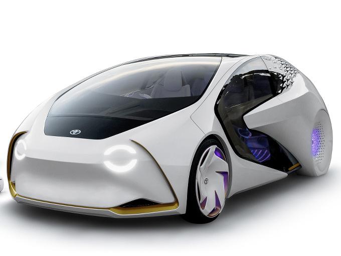 ▲トヨタは人工知能搭載の愛Car(画像は東京モーターショー2017で発表されたスタディモデル、コンセプト愛i)を初の本格量産EVに位置づける模様だ。2020年に発売される公算が大きい