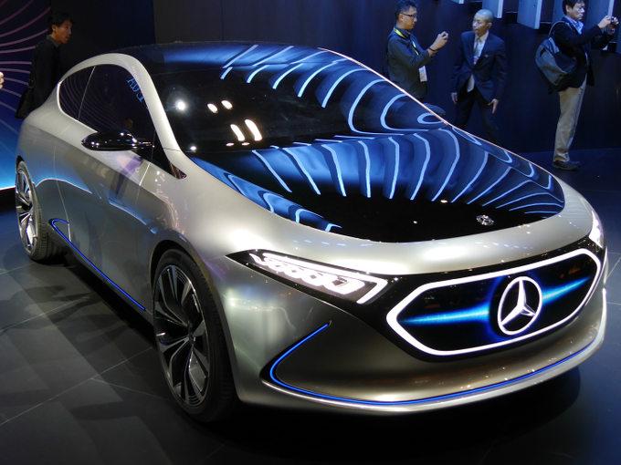 ▲メルセデス・ベンツは、電動車両の専門ブランドとしてEQを立ち上げた。2019年には電動車両をリリースするようだ