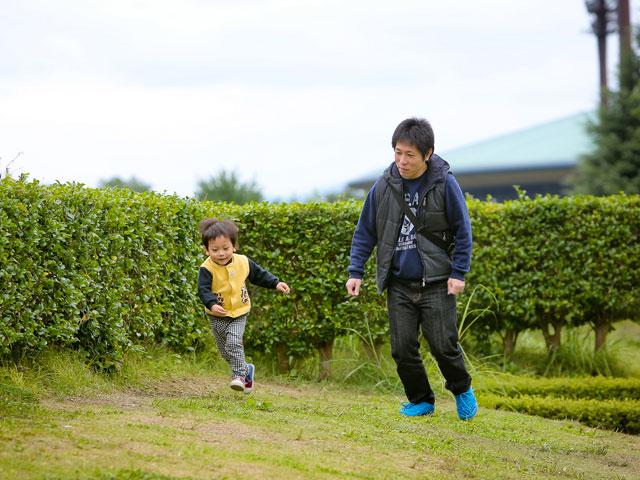 ▲この日は親子で公園へお出かけ。優駿君が成長するにつれて、一緒に行きたいところが増えているという遠藤さん