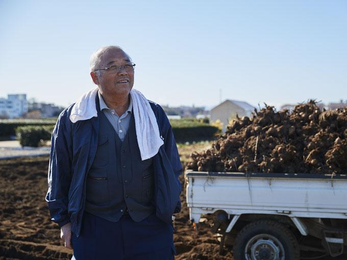 ▲埼玉県所沢市にて農業を営む森田さん。取材時はサトイモの最盛期で、まさに収穫の真っ最中だった