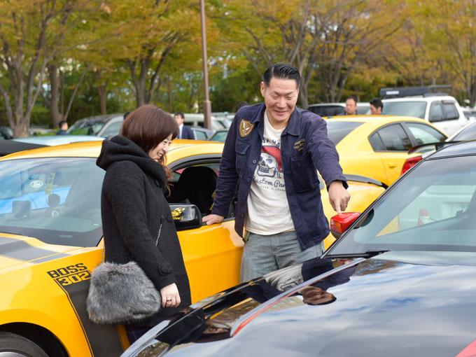 ▲取材した日も2人でイベントに参加していた高野さん夫婦。それぞれの愛車は多くの人から注目されていた