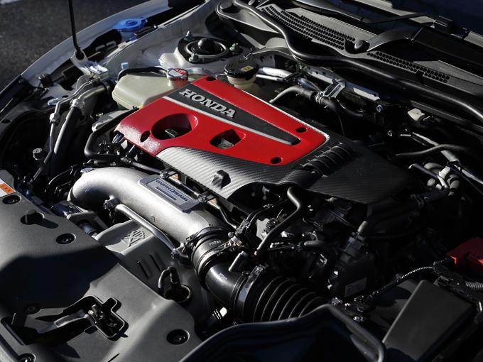 ▲2Lという排気量だが、可変バルブタイミング機構を持つVTECエンジンにターボを組み合わせたことで320psものパワーを絞り出すTYPE-R専用のエンジン