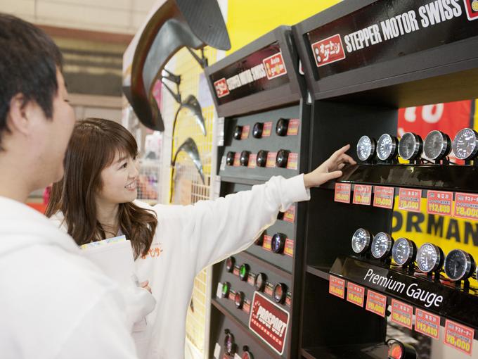 ▲油圧計も8000円とお手頃なお値段で販売されていました