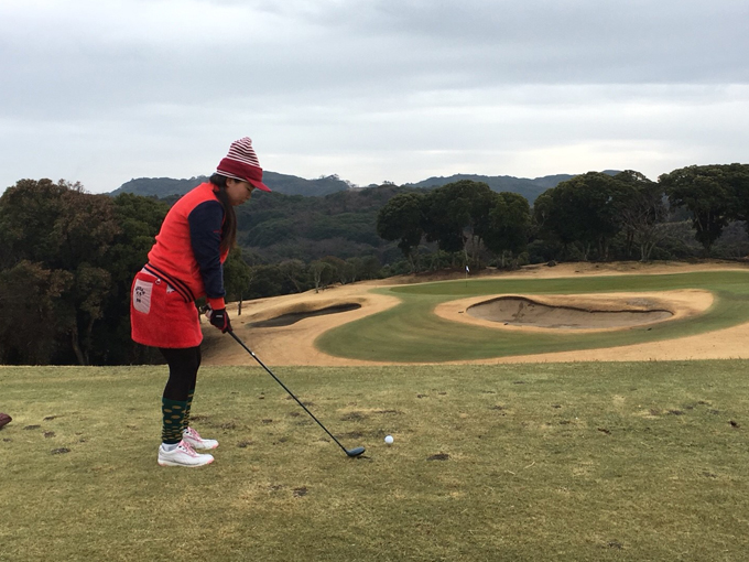 ▲最近新調したというお気に入りのゴルフウエアでコースへ。最近は月一でゴルフに行っている(写真:ご本人提供)