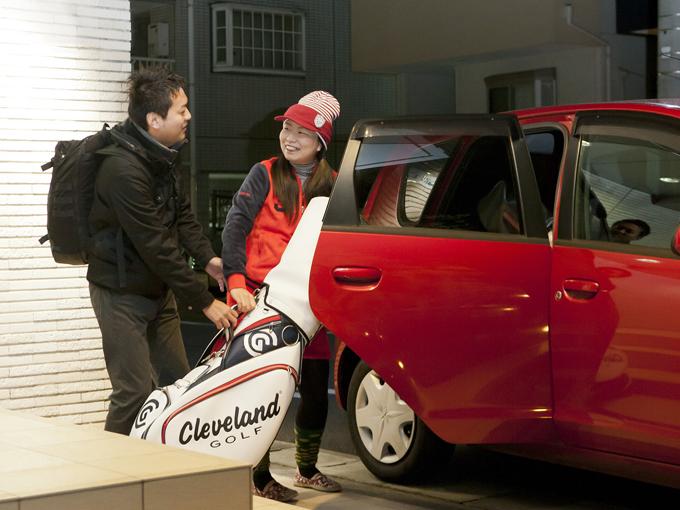 ▲ゴルフや旅行に大活躍している、田辺さんの三菱 コルト(初代)。コンパクトな車体だが、荷物も意外と積めるんだとか