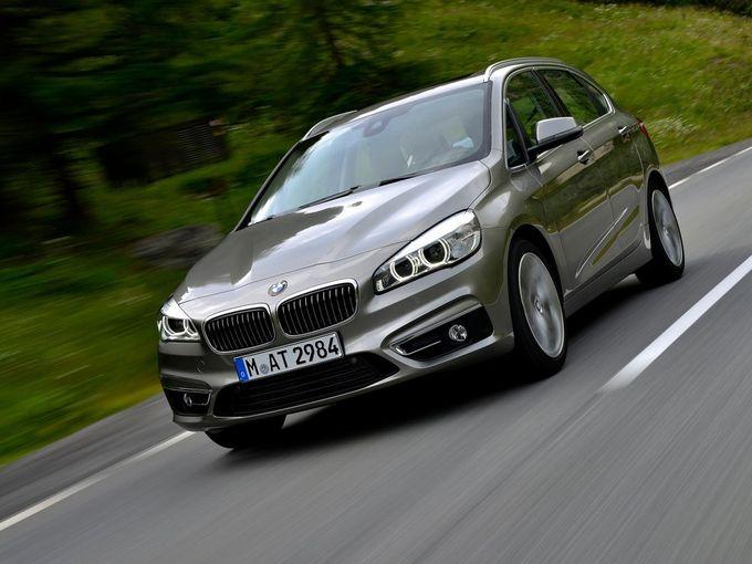 ▲「ミニバンほどはかさばらず、かといってコンパクトカーのように手狭でもない」という車を探しているご家族もいるかもしれません。そんなときはコレ、BMW 2シリーズ アクティブツアラーなんてどうでしょう?