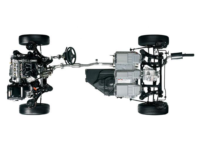 ▲3.3Lの大排気量エンジンに加え、前後に電気モーターを備えている。ヘビー級であることを感じさせない、力強い加速を味わえるはずだ