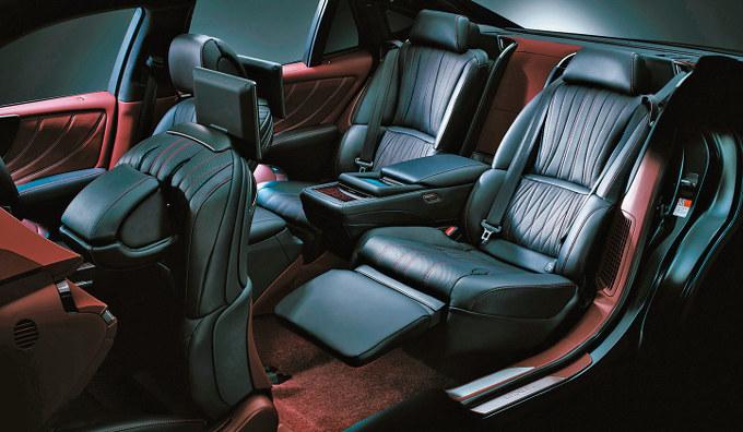 ▲イマドキのシートには、ヒーターや蒸れを防ぐ、ベンチレーション機能、さらにはマッサージ機まで含まれているものもある