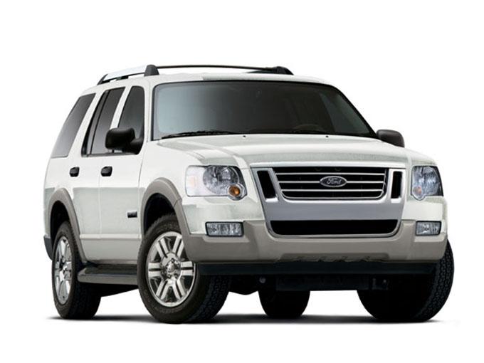 【フォード エクスプローラー(3代目)】長年アメリカ市場でベストセラーを維持していたSUV。3列シートを備えた7名(一部6名)乗ることができる。モノコック構造(※1)より仕組みがシンプルな、ラダーフレーム構造(※2)を採用。エンジンは4LのV6と4.6LのV8がある。状況に応じて自動で前後の駆動配分を最適化する4WDを装備。中古車の台数が多く選びやすい
