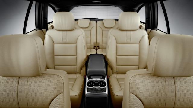 ▲余裕のボディサイズで室内空間は乗員を重視したレイアウトのため、どの席でも快適に移動できる