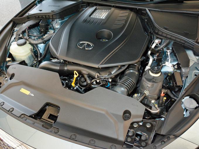 ▲2014年5月、スカイラインに追加された2L直4ターボ。このエンジンは、ダイムラーが設計したユニットで、北米から運ばれてきて、栃木工場で車両に載せられている