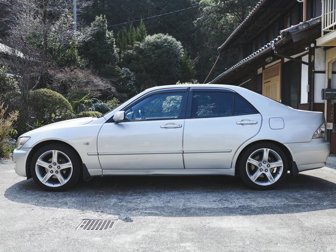 ▲1998~2005年に生産されたトヨタ アルテッツァ