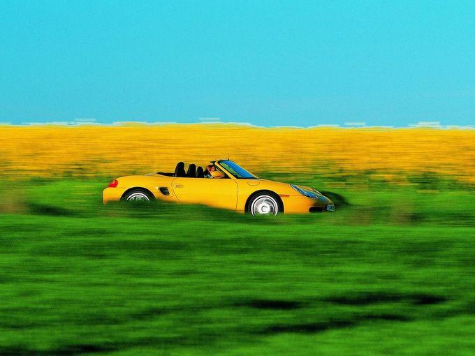 ▲「スギ花粉やヒノキ花粉が飛びまくってるこの時期にオープンカーなんてとんでもない!」と思うかもしれないが、実はこの時期にこそ、オープンカーの購入は検討を始めるべきなのだ