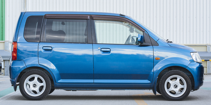 ▲2013年まで製造されていた軽自動車。エンジンはNAとターボ付きの2種類、ミッションは5MT、3AT、4ATが用意される