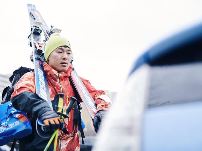 ▲愛車・プリウスとの時間は「スキーに全力投球するための、リラックス時間」と話してくれた