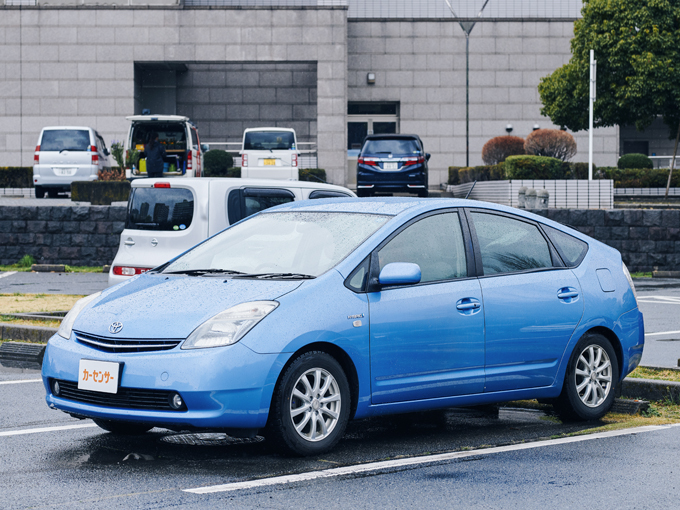 ▲実は1ヵ月ほど前に購入したという。この車の前も、同じ2代目プリウスに乗っていた