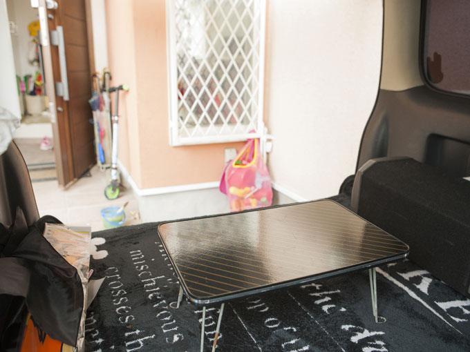 ▲自宅でBBQをするときはスクラムの荷室が子供たちの小部屋と化す