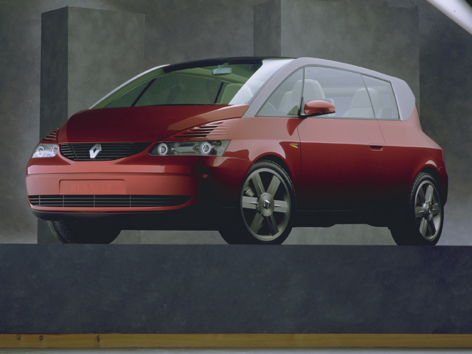 ▲写真は、1999年のジュネーブショーにルノーが「21世紀のスペシャリティカー」としてお披露目したコンセプトカー。そのままアヴァンタイムとして、2001年(日本では2002年)に販売されたが2003年に生産終了。全生産台数は8545台、うち日本に正規輸入されたのは206台という希少車に
