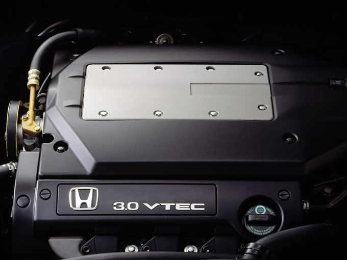 ▲低回転域から豊かなトルクを発生する力強く扱いやすい、3L V6 VTECエンジン(最高出力:215PS/5800rpm、最大トルク:27.7kgm/5000rpm)